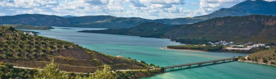 Yourandalusia.com - Travels in Andalucia - Tours in Southern Spain - Bridge on the Iznajar Lake - Cordoba Province